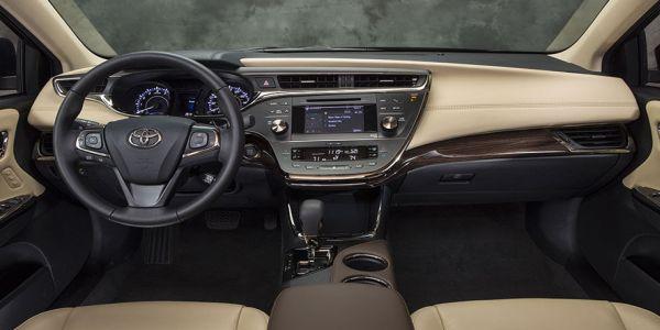 2014 Toyota Avalon interior