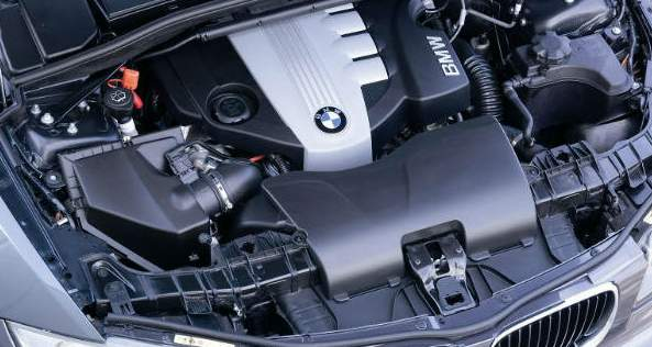2015 BMW X1 engine