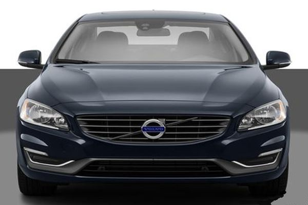 2015 Volvo S60 front
