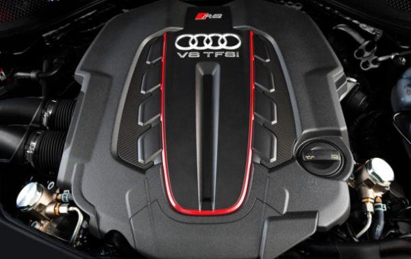2016 Audi RS7 Engine
