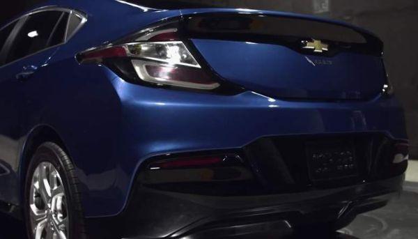 2016 Chevrolet Volt back