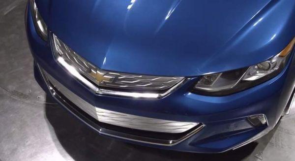 2016 Chevrolet Volt front