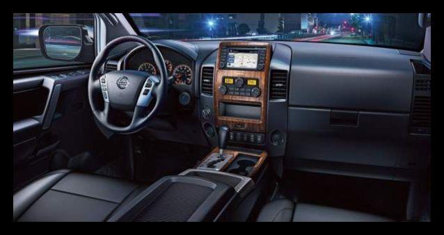 2016 Nissan Titan interior
