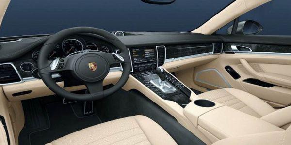 2016 Porsche Cayman interior