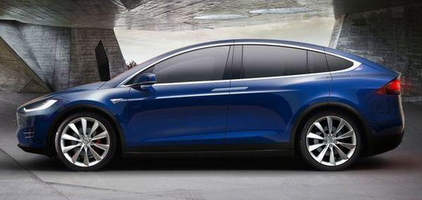 2017 Tesla Model X Side